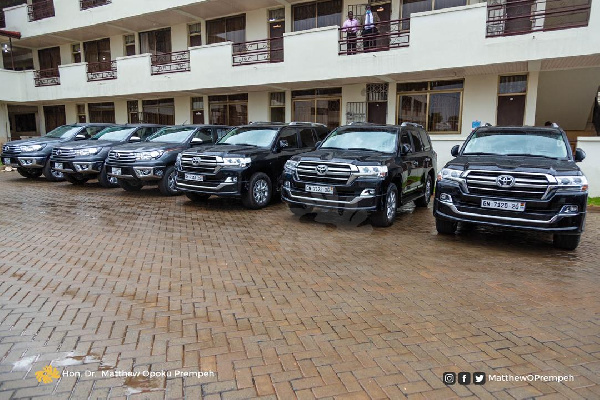 3 universities get GH¢1.5m, 4 vehicles, each from govt