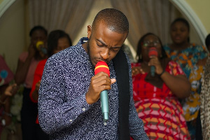 Barry Neequaye in worship