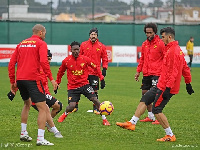 Lumor training with his new teammates