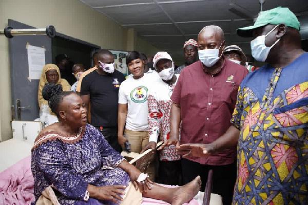 John Dramani Mahama visited the accident victims