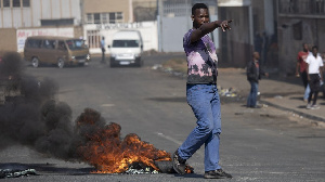 South Africa Zuma riots: Goment increase army deployment, call on reserve member of di national army