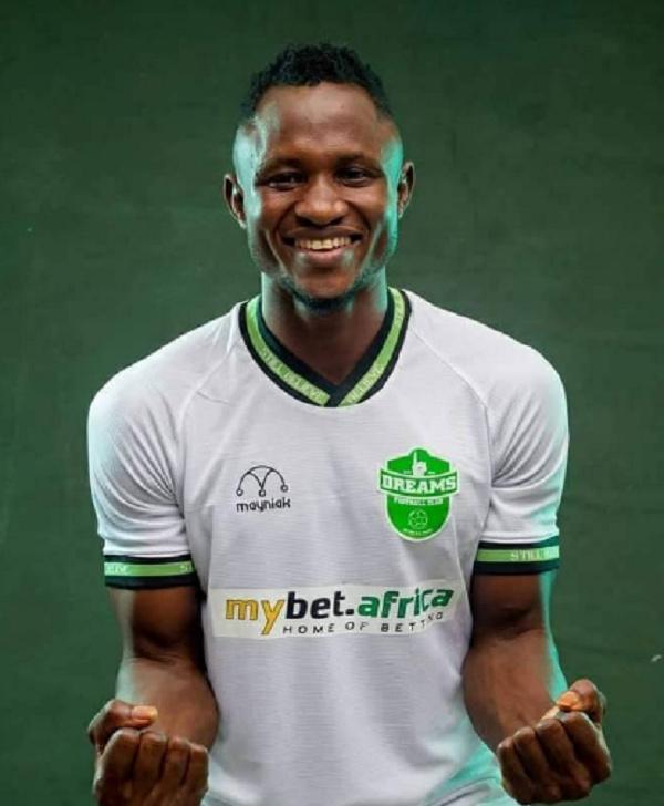 Dreams FC ace Joseph Esso lands in Algeria to seal MC Algers move