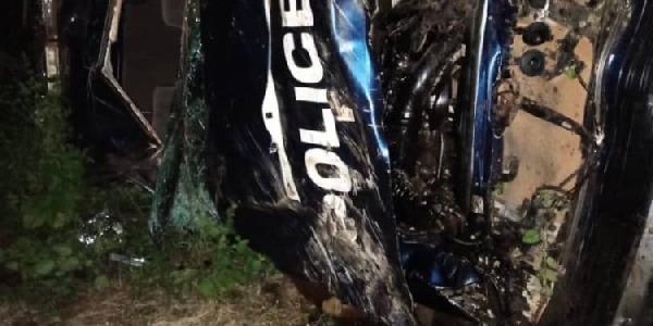 Two police officers die in road crash, three others in critical condition
