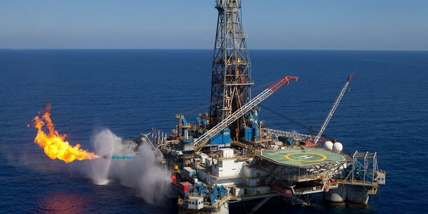 Lower oil prices will curtail industry investment - Moody's