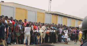 The Immigration Service came under fire for allowing over 3000 people apply for only 500 slots