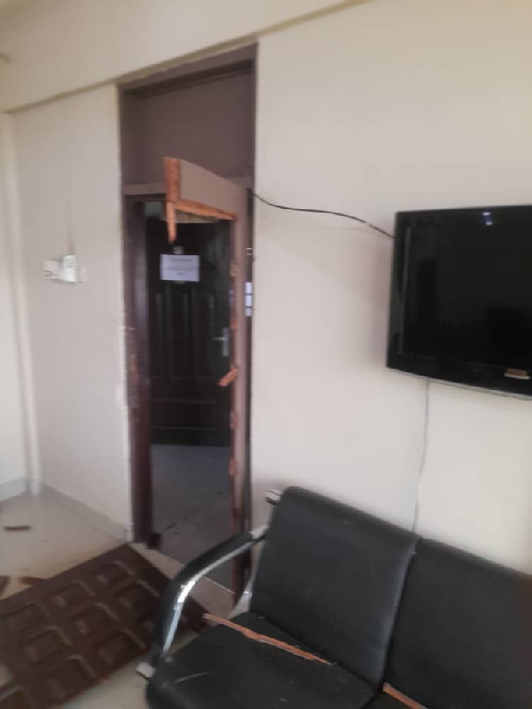 Sekyere East: Irate NPP supporters vandalise DCE's office 3