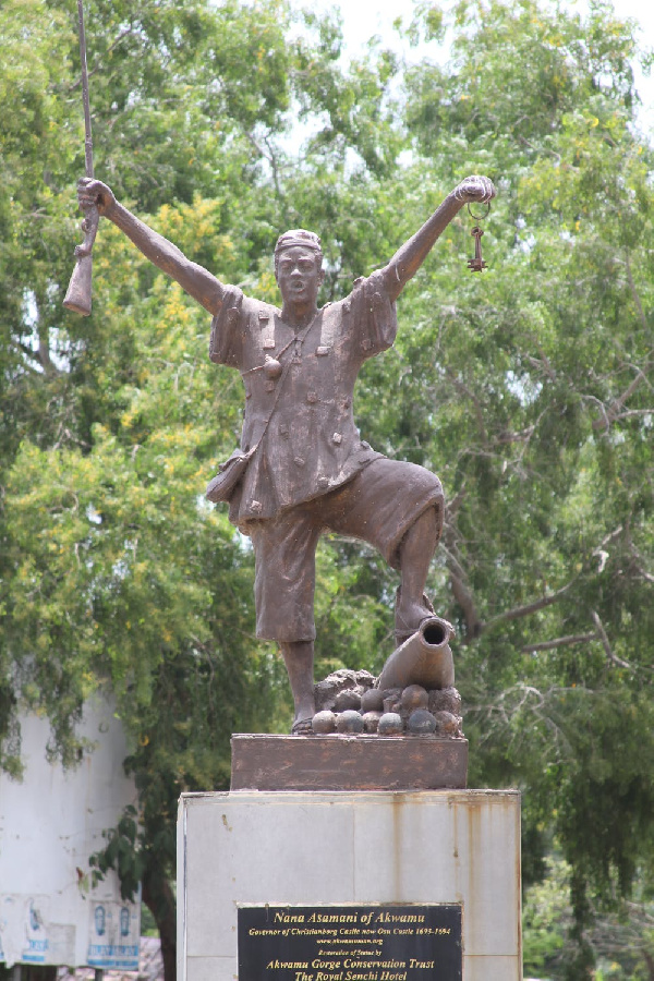 A bronze statue is dedicated to Asameni, the brilliant strategist, and his capture of the castle.