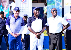 Asantehene Otumfuo Osei Tutu II, Alfred Baku of Gold Fields Ghana and an official of the company