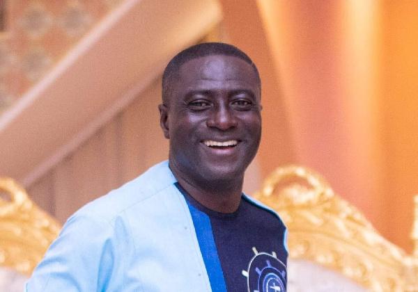 Adom FM\'s Captain Smart  resigns