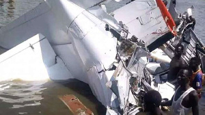 Wreckage of the plane that crashed into River Yirol in South Sudan  | RADIO MIRAYA | TWITTER