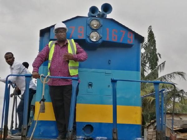Chiefs give Joe Ghartey standing ovation for transforming Ghana's railway sector
