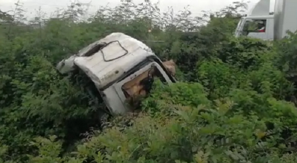 Driver of trailer feared dead on Tema Motorway after skidding into ditch