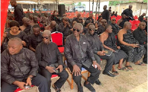 Former President John Agyekum Kufuor with some officials at Tommy Amematekpor's  funeral in Agbozume