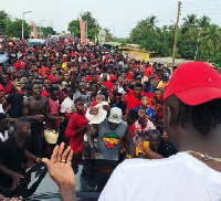 Stonebwoy's fans welcome him to Sogakope
