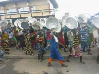 A group of kayaye girls
