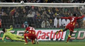 Asamoah Gyan Misses A Penalty