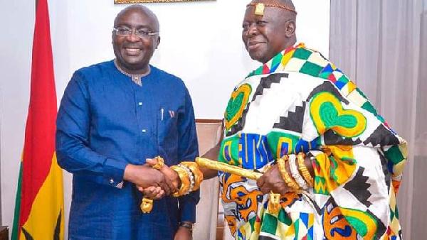 Otumfuo visits Bawumia at Jubilee House
