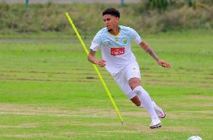 South Africa defender, Rushine de Reuck