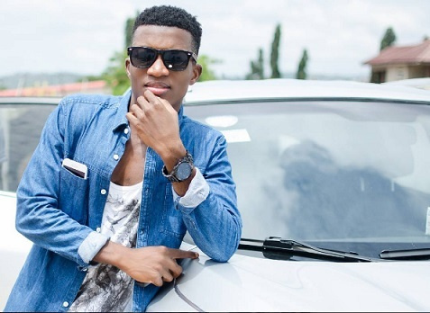 Women don't flirt with me – Kofi Kinaata