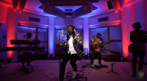 Stonebwoy performing 'Sobolo' with his band