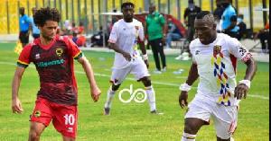 Hearts of Oak and Asante Kotoko players