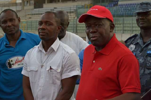 Asante Kotoko owner Otumfou Osei Tutu II (right)