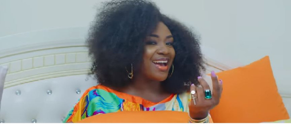 Social media users 'embarrass' Emelia Brobbey over her new song