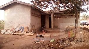 Toilet House Adenta