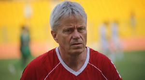 Inter Allies Coach Henrik Peters Lehm.jpeg