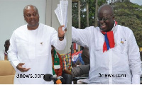 President John Dramani Mahama (L) with Nana Akufo-Addo (R)