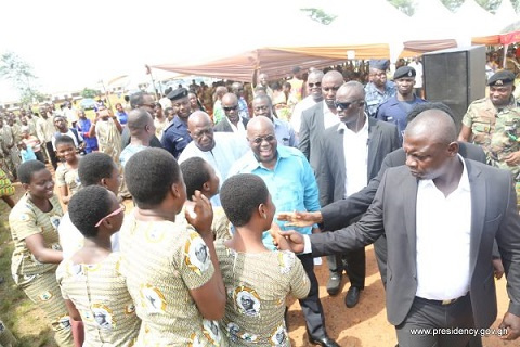 President Akufo-Addo interacting with some senior high school students