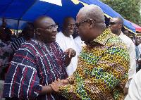 President John Mahama (right) and the running mate of the NPP Dr. Bawumia