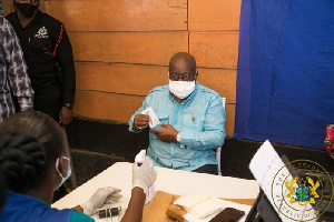 Akufo Addo Registers For Voters ID 696x464