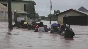Pipo as dem dey try escape from impact of heavy flooding   File photo