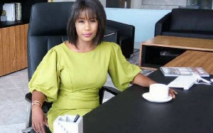 Amanda Akuokor Clinton, Lawyer for the aggrieved customers of Menzgold