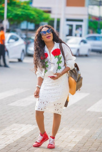 Mzbel looks stunning in this new photo