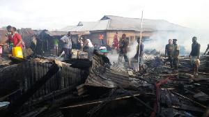 Sunyani Timber market was razed down by fire