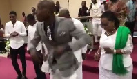 The Pastor exhibited his dance moves to cheer up President Mahama and his family