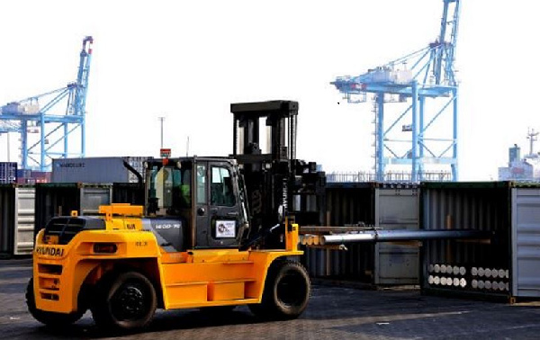 Former workers of APM Terminals sue company for wrongful dismissal