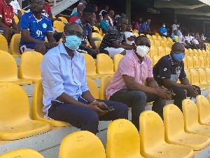 CK Akonnor And Duncan Watching.jpeg