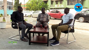 GhanaWeb Sports Editor, Daniel Oduro (L) interviews the two legends