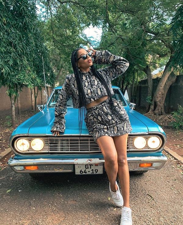 T'neeya offers a unique blend of afrobeats  in 'Joli'