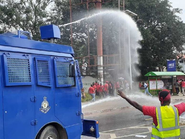 SOTN2020: Police unleash water cannons on protesters