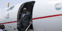 President Nana Akufo-Addo disembarks from the presidential jet
