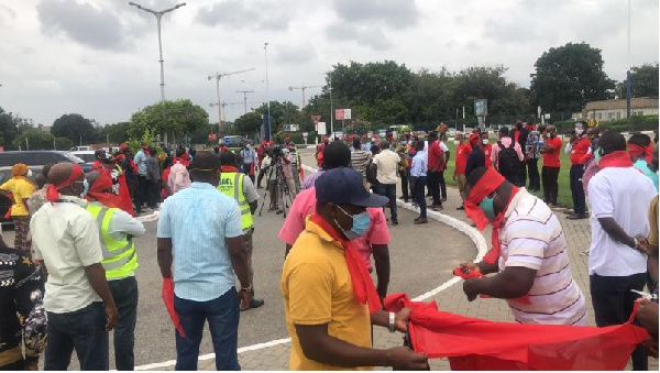 Airport staff picket over alleged sale of KIA