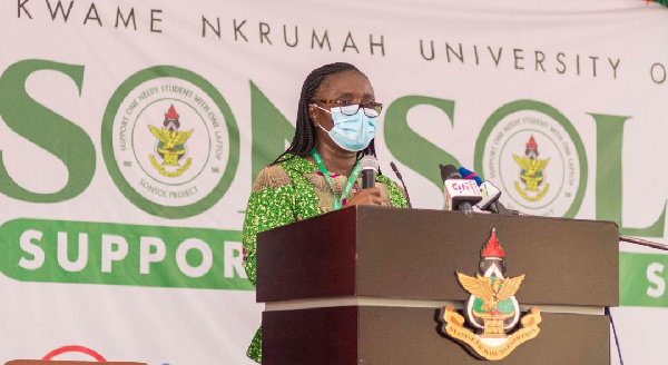 593 KNUST brilliant but needy students receive laptops through the 'SONSOL' project