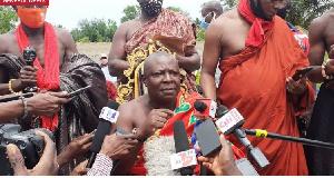 Togbe Adzonugaga Amenya Fiti V addressing the media