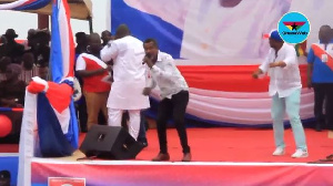 Lucky Mensah performing at NPP's rally in Cape Coast