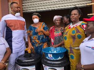 The aspiring Parliamentary Candidate for Old Tafo donated the items to market women