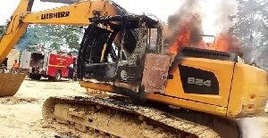 The aggrieved miners warned government to immediately return all the excavators that were burnt